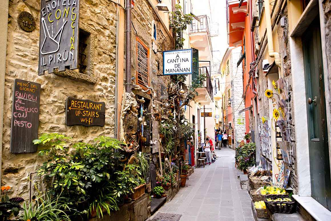 Day Tour Milan to Cinque Terre - Village
