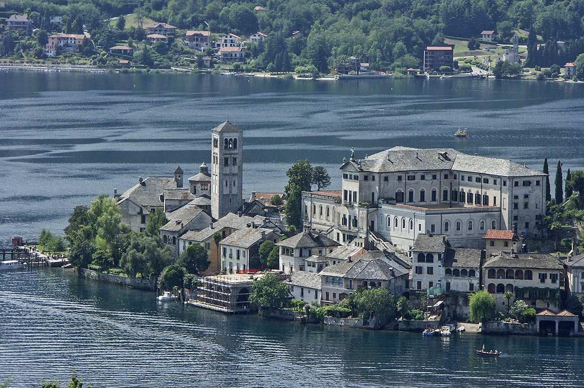 Lake Maggiore Day Trip from Milan - Borromean Islands