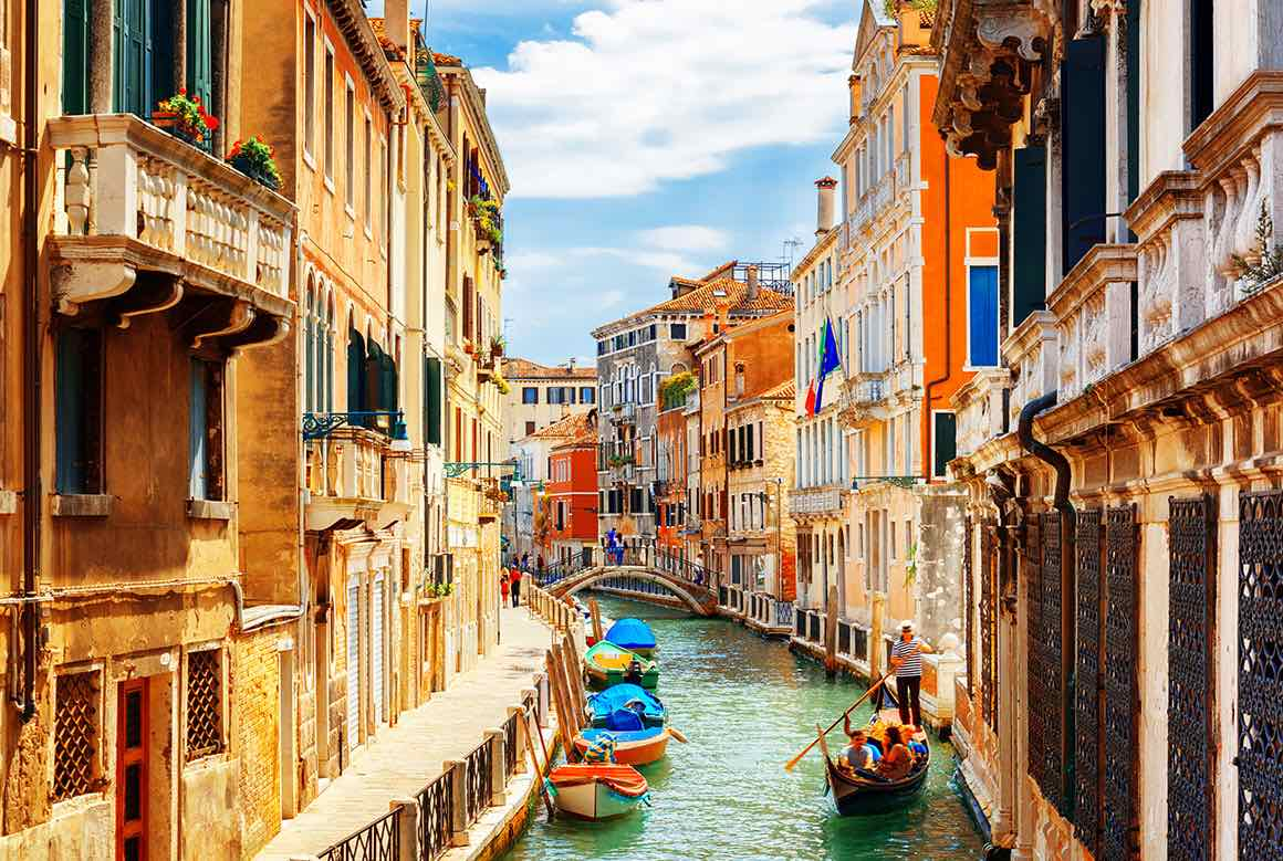Venice in one Day from Milan - Canals
