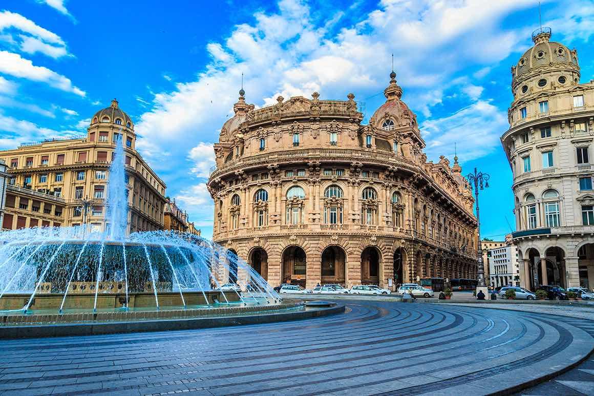 Day Tour Milan to Genoa & Portofino - Piazza De Ferrari