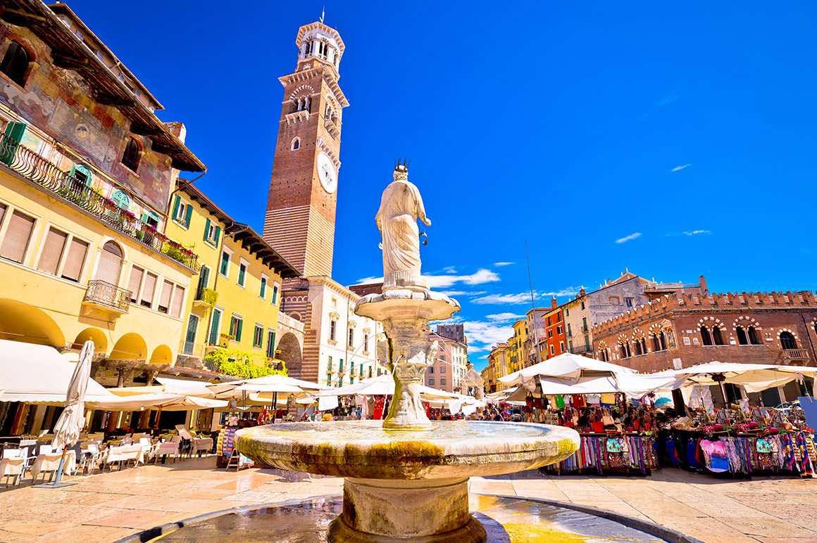 Day Tour Florence to Verona - Market
