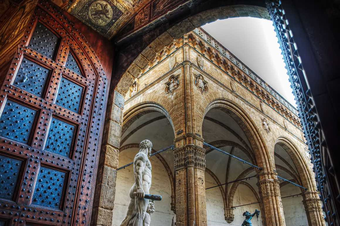 Luxury Tour Livorno to Florence & Pisa - Uffizi View