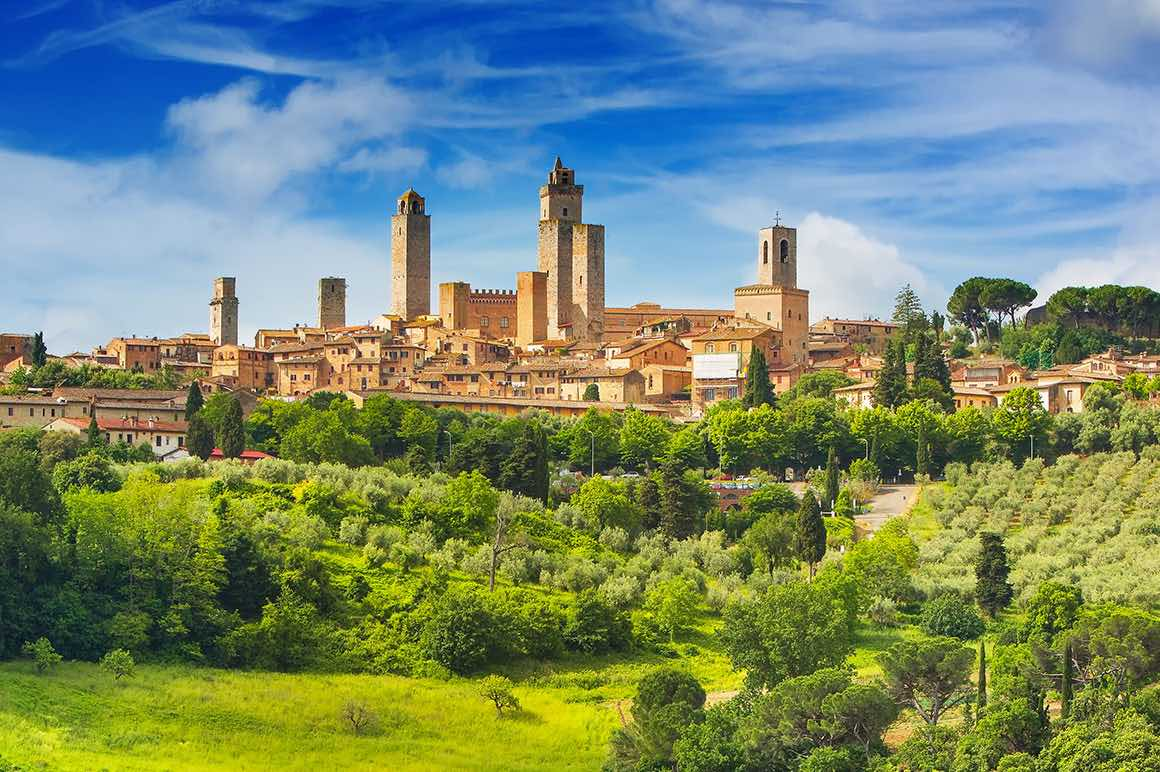 Transfer Florence to Rome with stop in San Gimignano