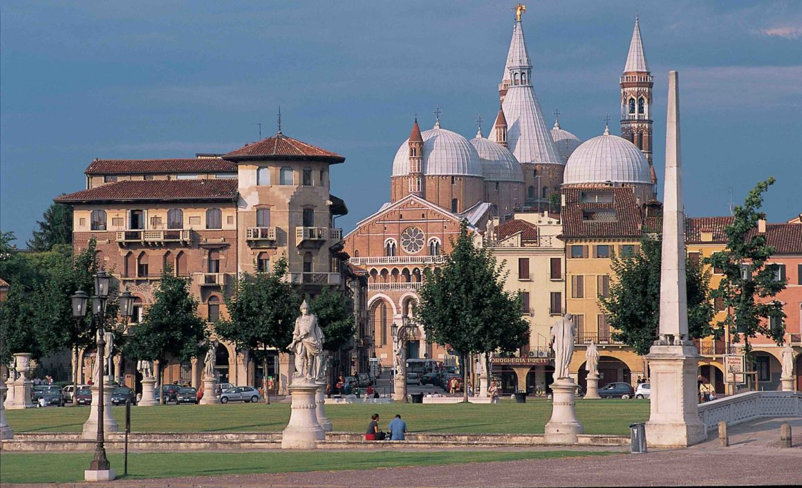 Transfer Milan to Venice with stop in Padua - Church