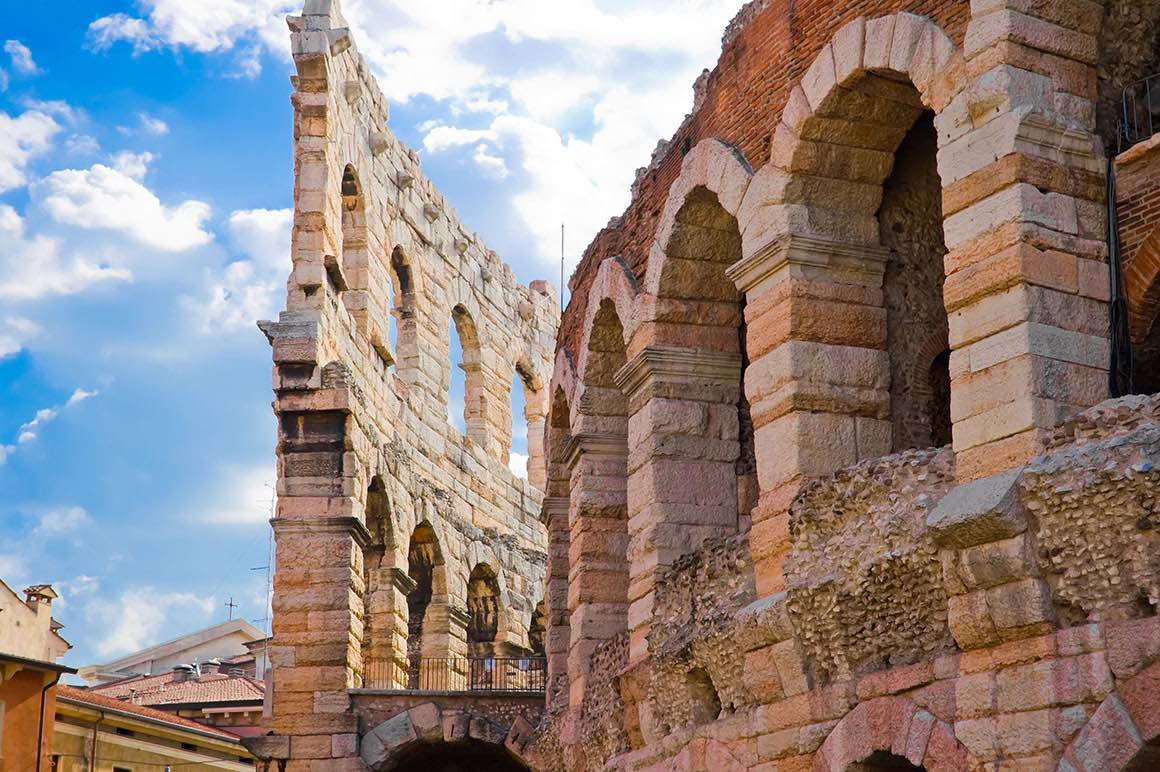 Transfer Milan to Venice with stop in Verona - Arena