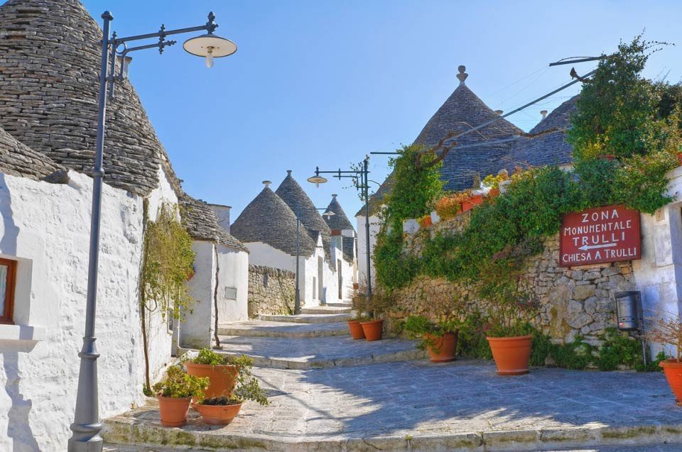 Day Tour Bari to Lecce - Alberobello Trulli