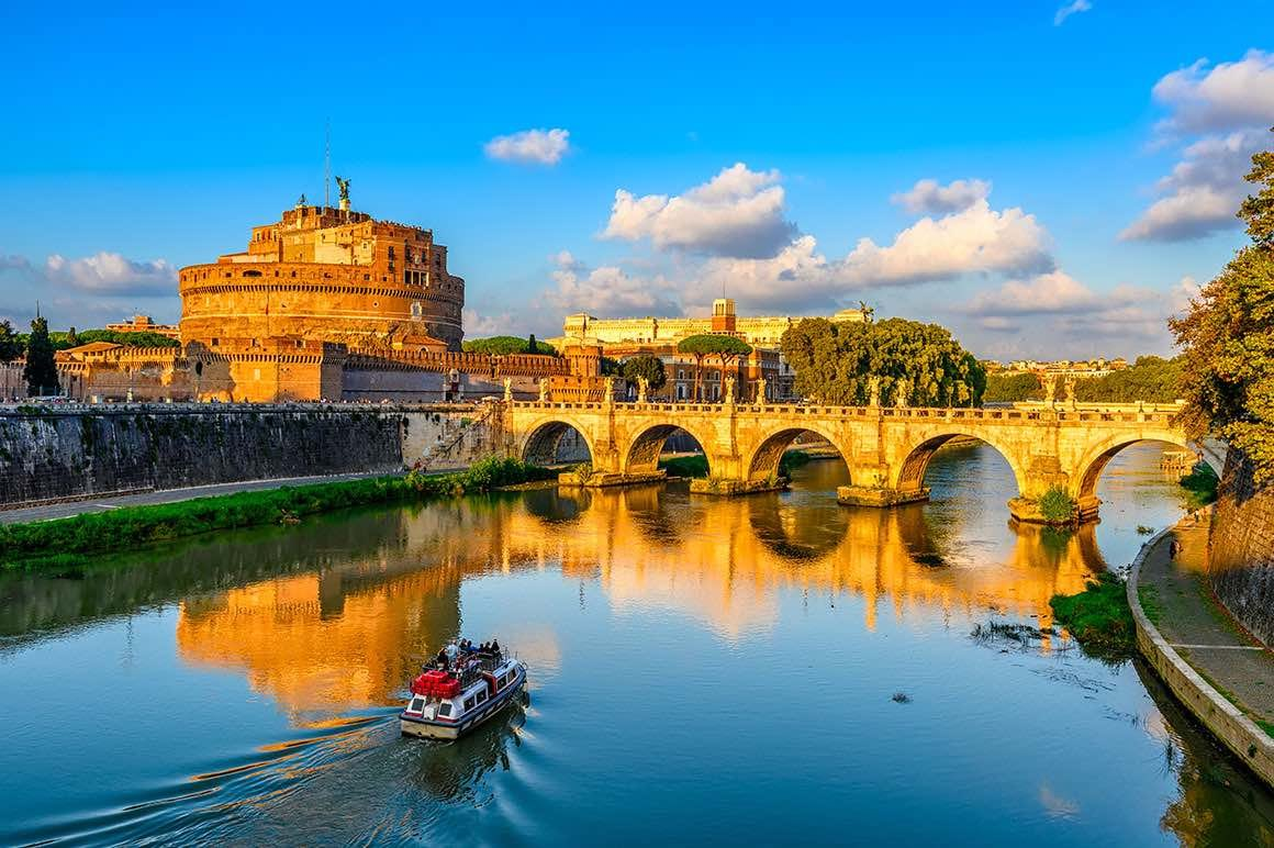 Day Trip Naples to Rome - Tevere River