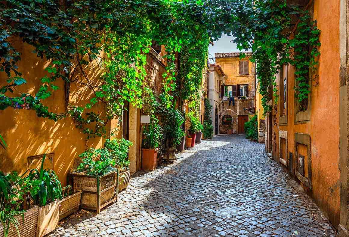 Luxury Tour Naples to Rome - Roman Street